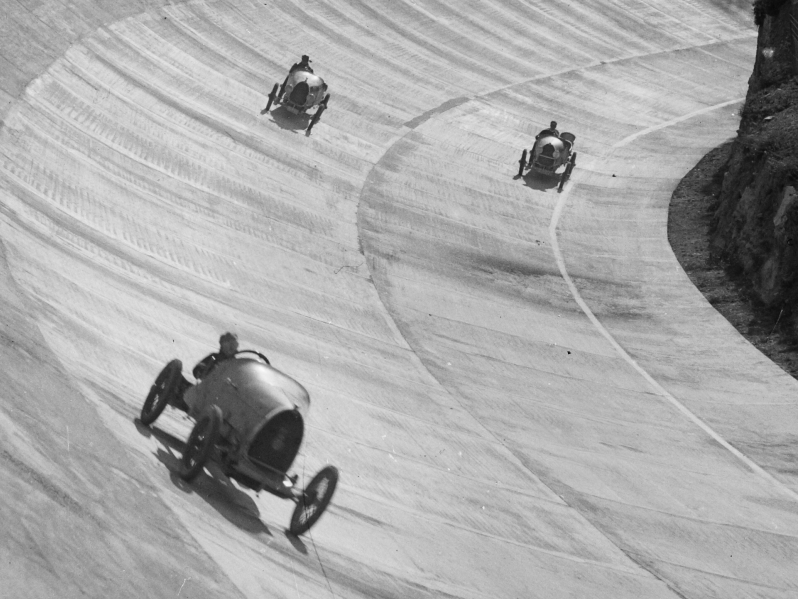 Les primeres curses de l'Autòdrom