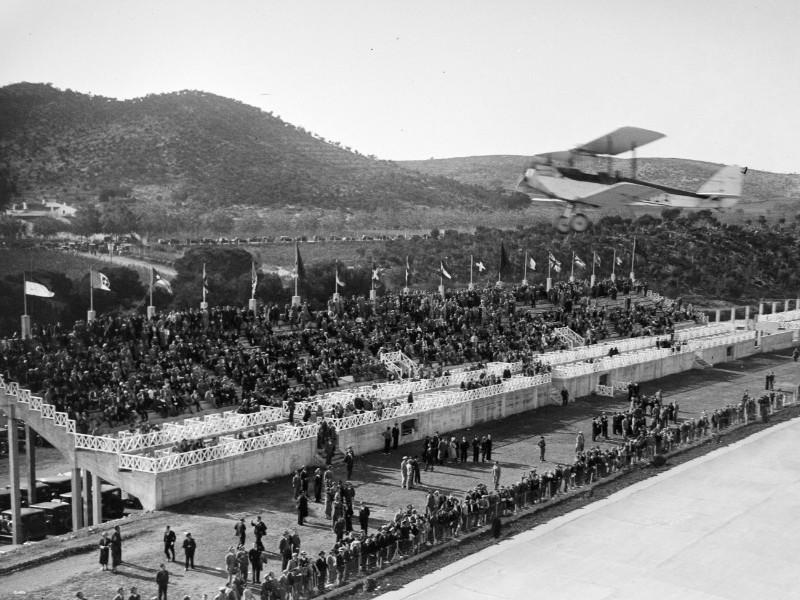 La tribuna de l'Autòdrom: punt de trobada d'una història recuperada