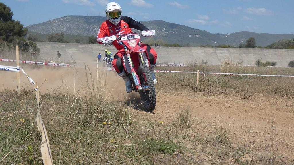 Les motos trepitgen l'Autòdrom