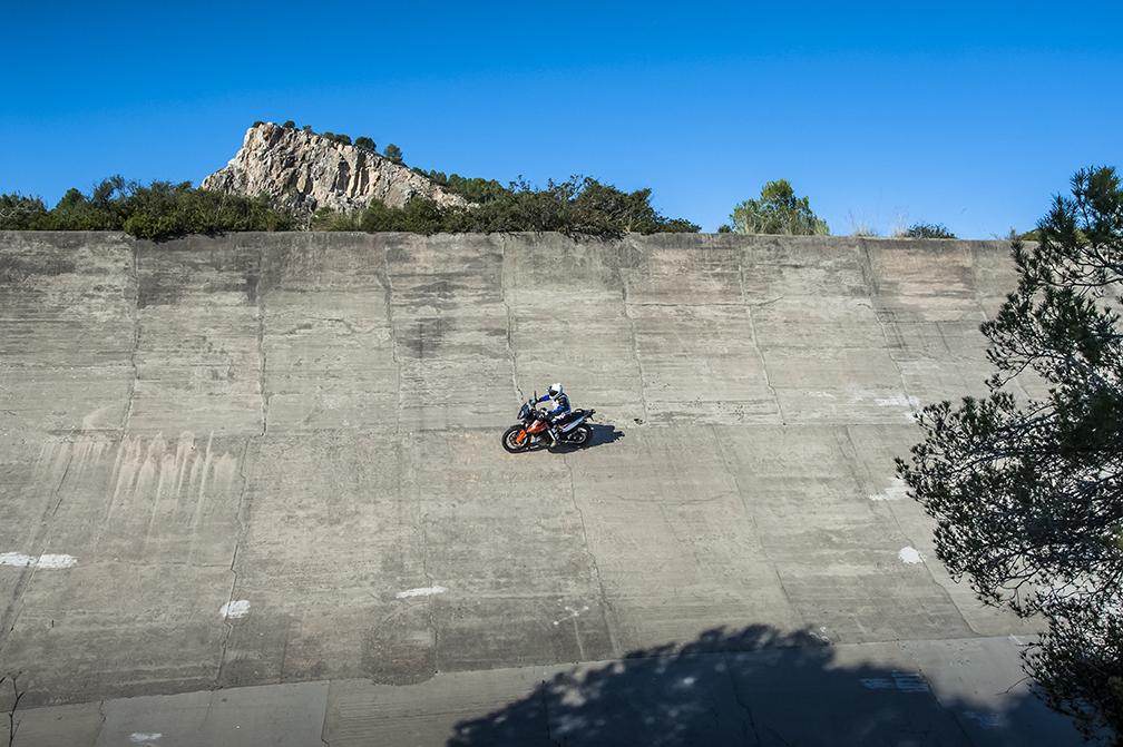Les motos trepitgen l'Autòdrom 3
